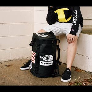 Supreme x The North Face Backpack 1:1 Replica